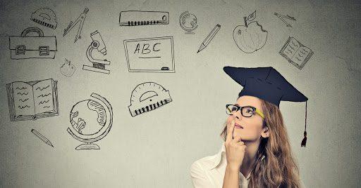 ¿Es necesario tener una carrera universitaria para conseguir empleo?